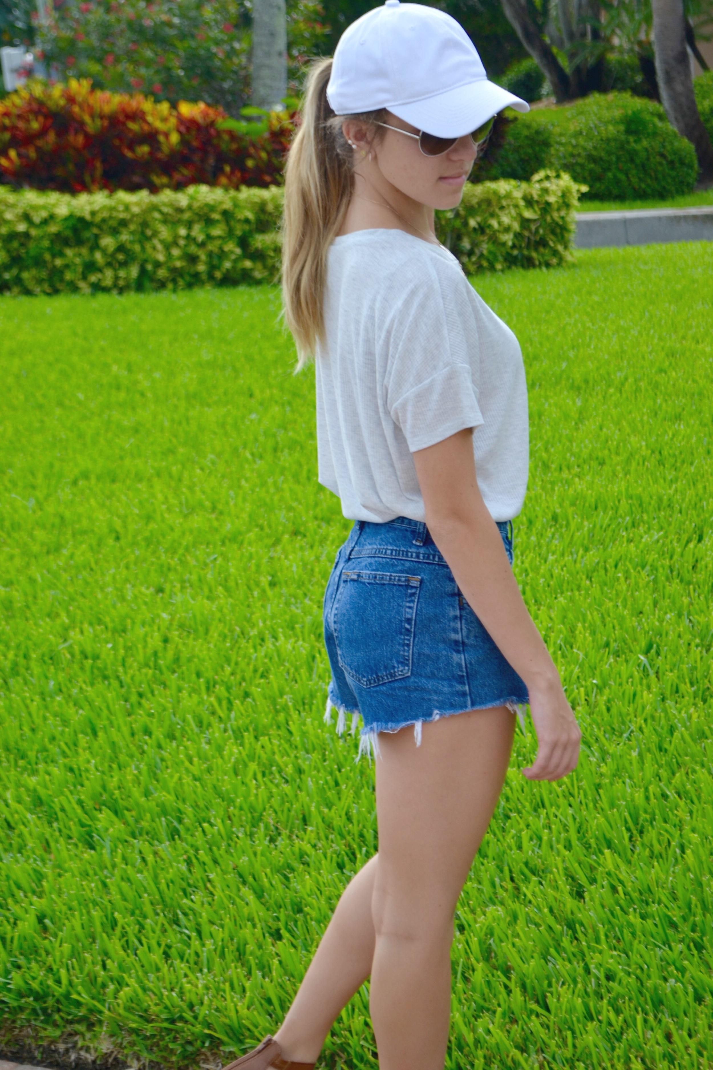 hat: target; shirt: h&m; shorts: a DIY #momjeans; shoes: express; sunglasses: Chloé