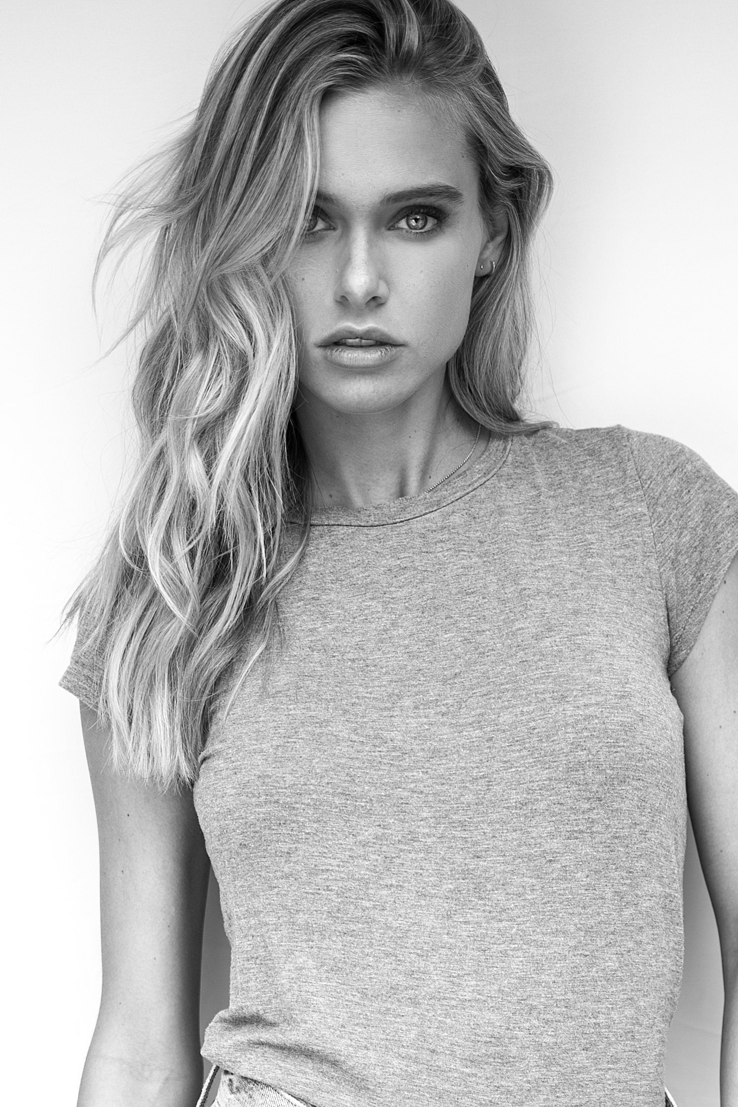 Model: Ellie Ottaway // The Block Agency