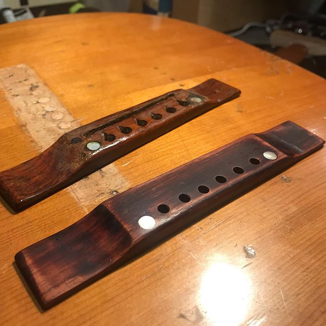 What's old is new! Replicating a tired old bridge on this Kalamazoo Oriole.  #lutherie#guitarrepair#instrumentrepair#repair#woodworking#guitartech#guitarsofinstagram#whatsonyourbench#luthier#oldworld#vintage#relic#restoration#guitarporn#acousticcguitar#kalamazooguitar#rosewood#outsidethebox#insidethebox#Oriole#replica