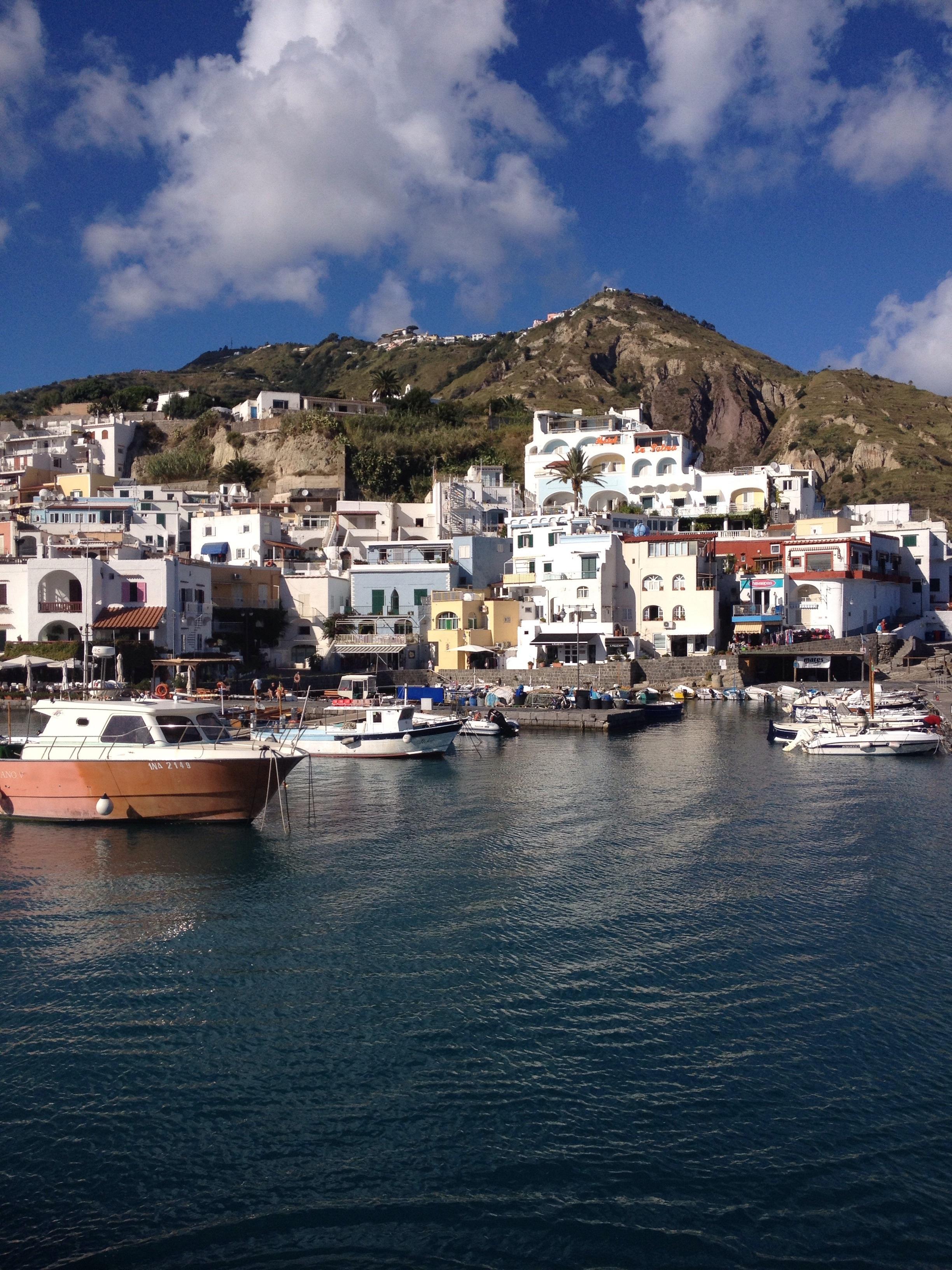 Populär och vacker båttur runt hela ön blev det med ett underbart bad!