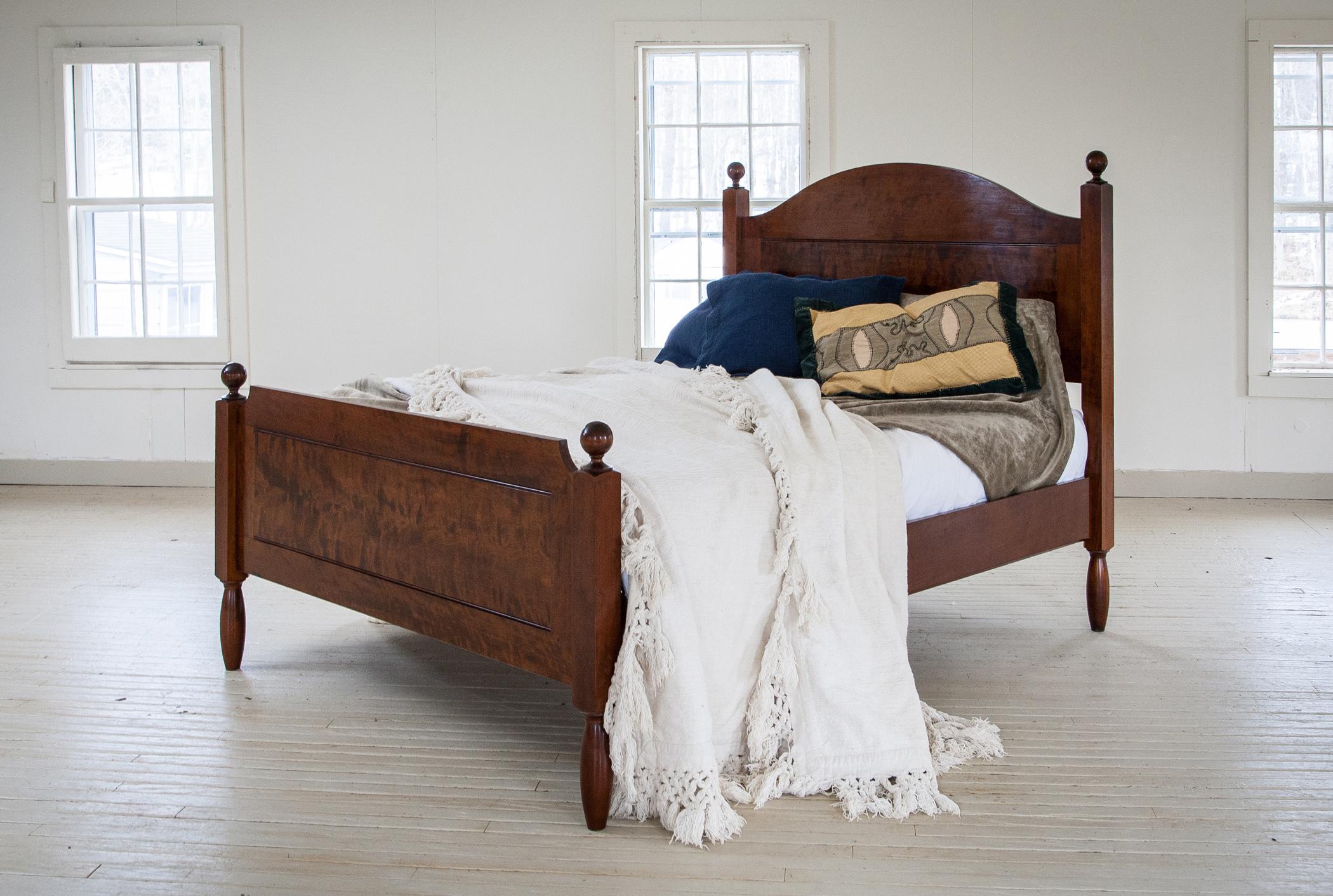 bed_maple_custom.jpg