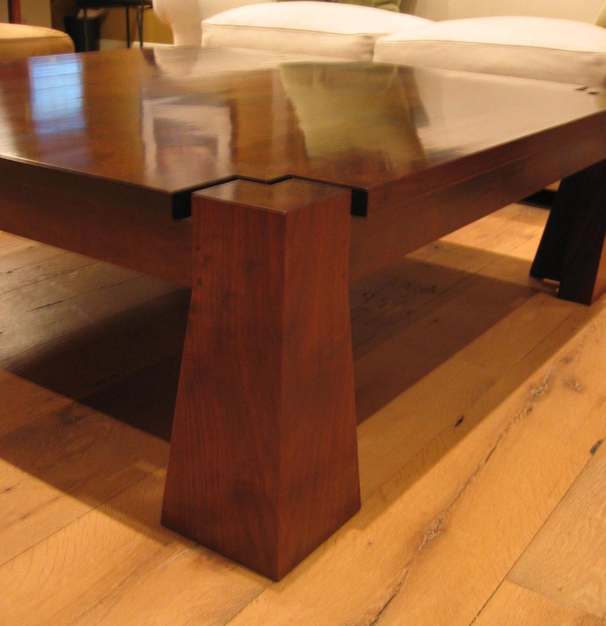 table_coffee_corner.jpg