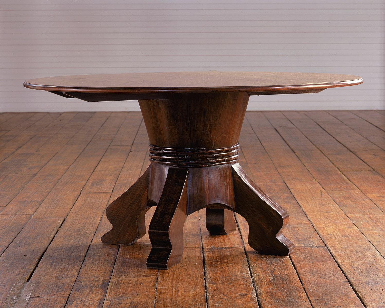 table_hupi_pedastal.jpg