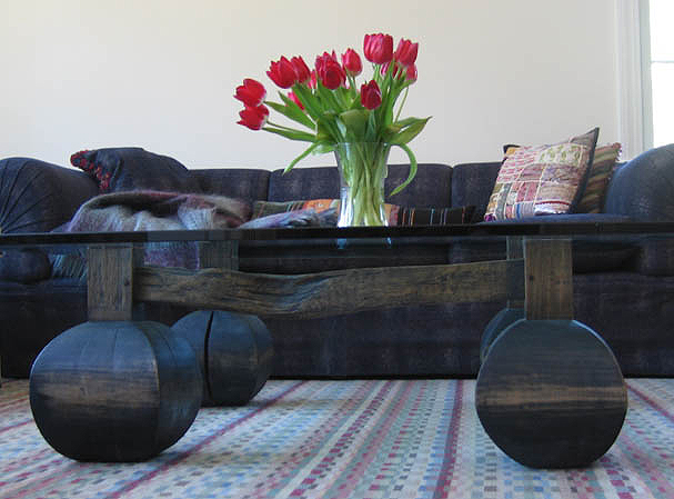 table_konkapot_coffee_livingroom.jpg