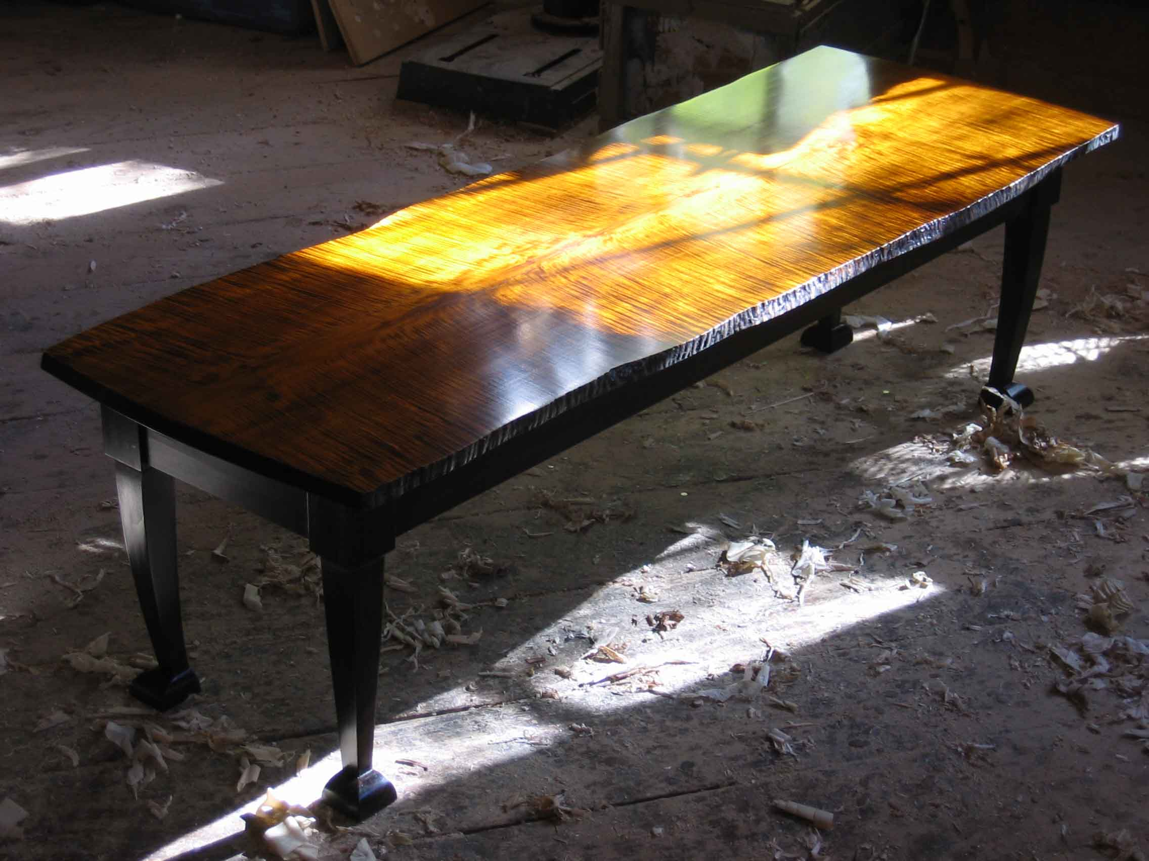 table_pinnacle_low_coffee.jpg
