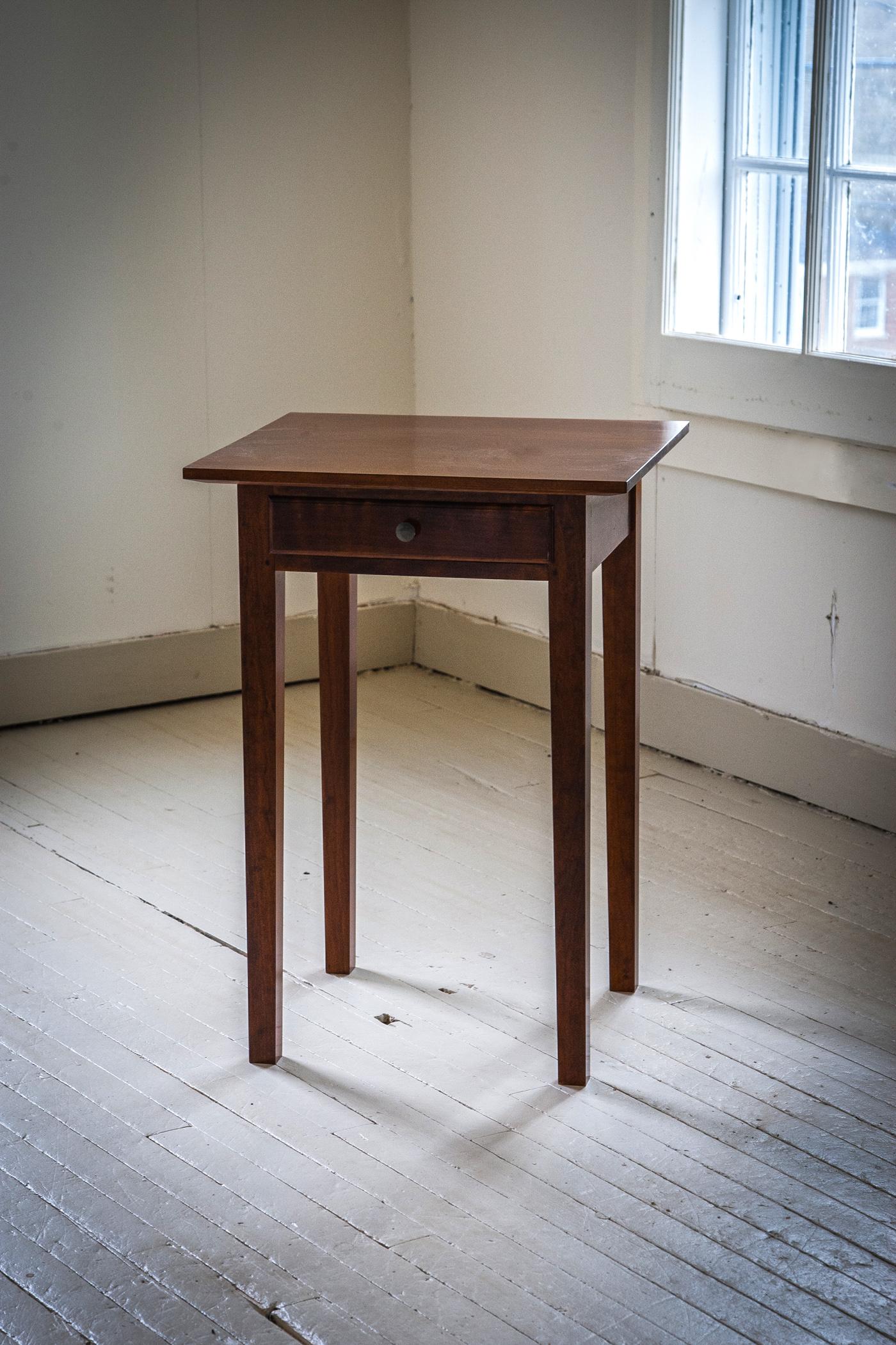 table_nightstand_bedside.jpg
