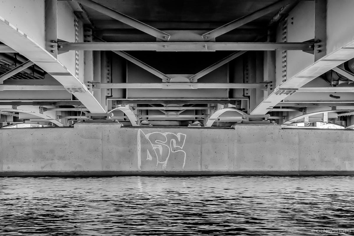 Under Belvédère bridge in Sherbrooke OLNEY Photographe