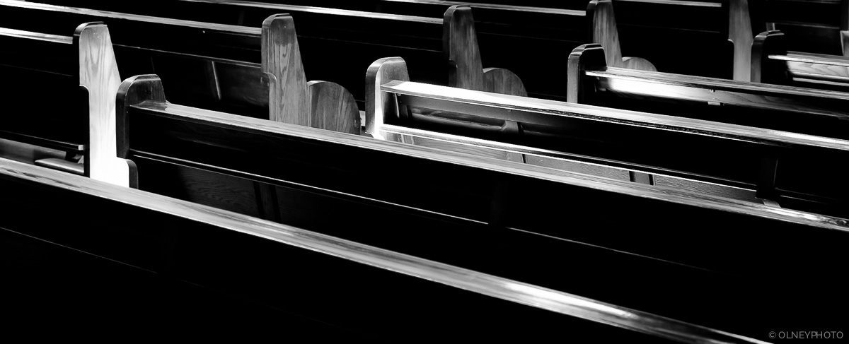 OLNEY-Church benches in St-Benoit-du-Lac OLNEY Photographe Sherbrooke