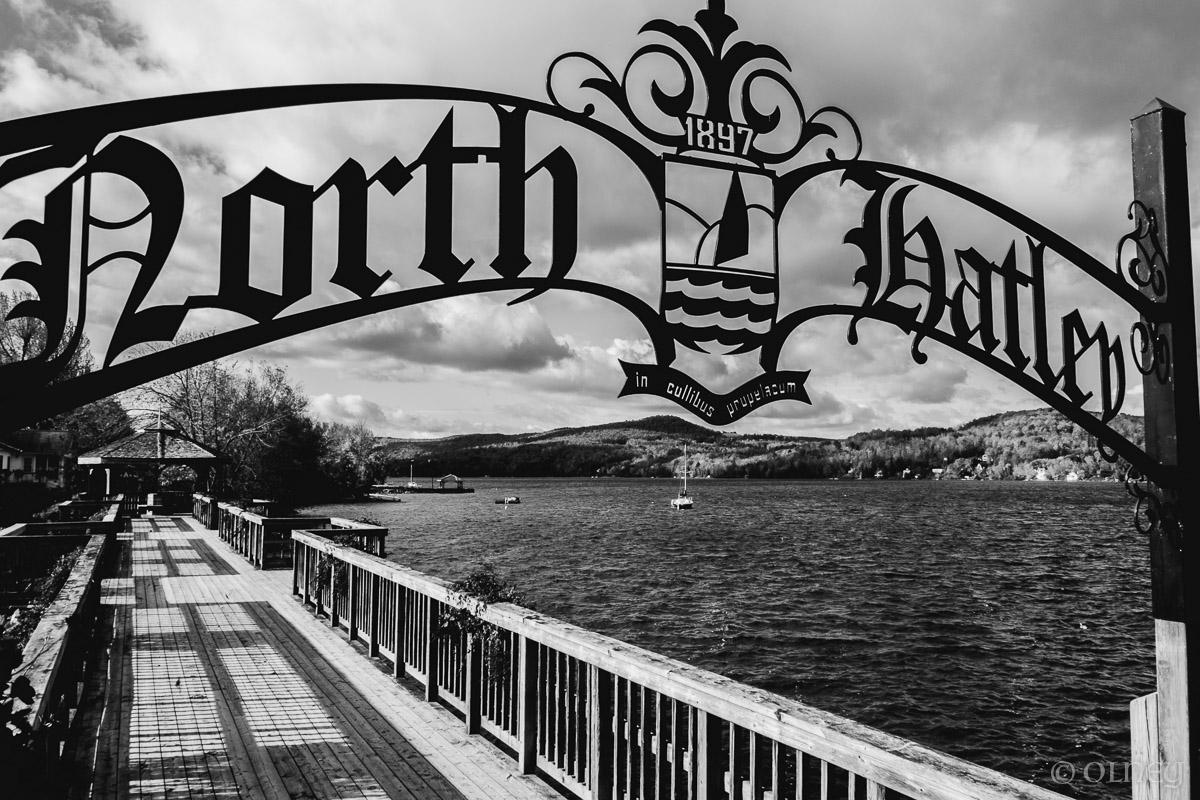 Entrance to the Promenade in North Hatley - Un autre point de vue paysage OLNEY Photographe Sherbrooke
