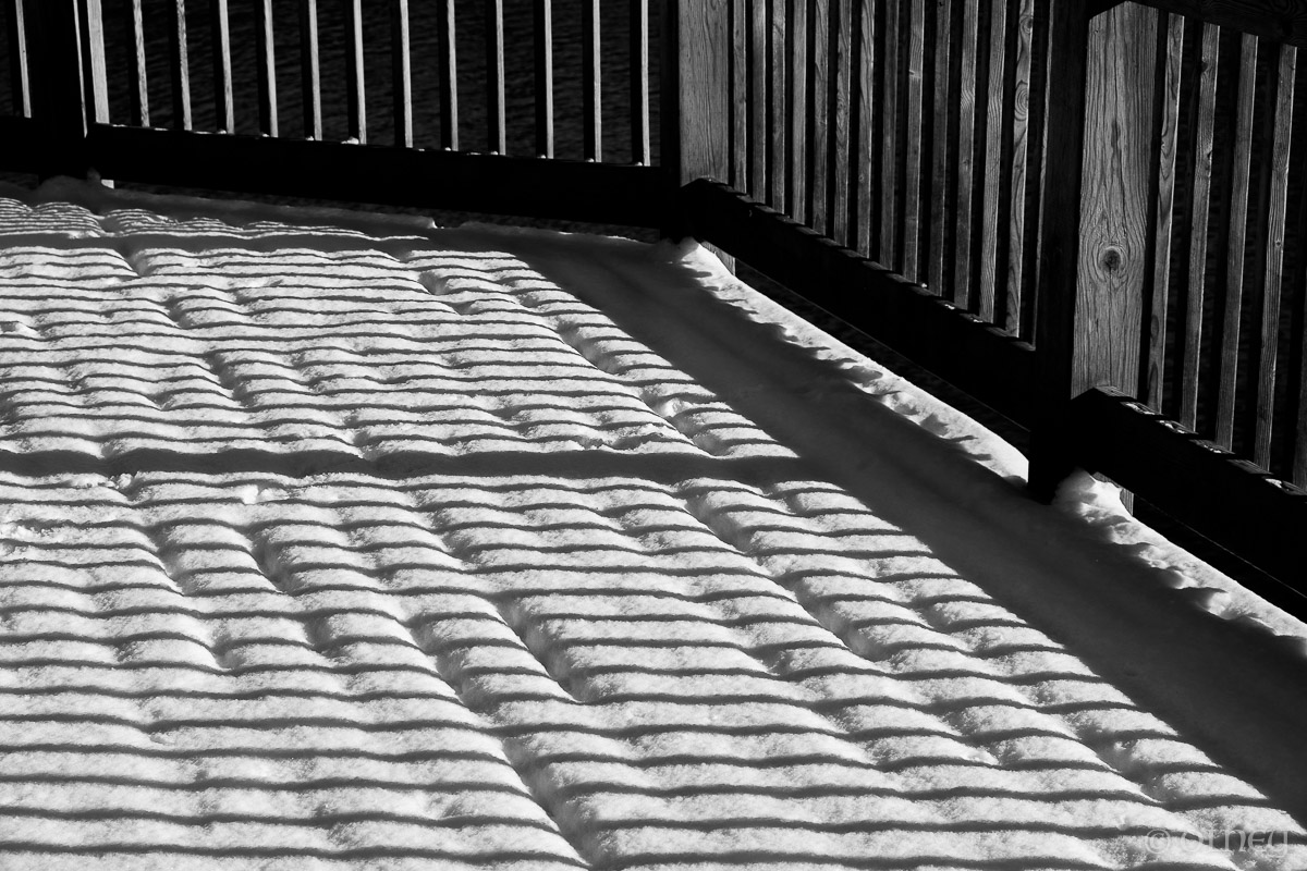 Shadows on the snow of a deck OLNEY Photographe Sherbrooke