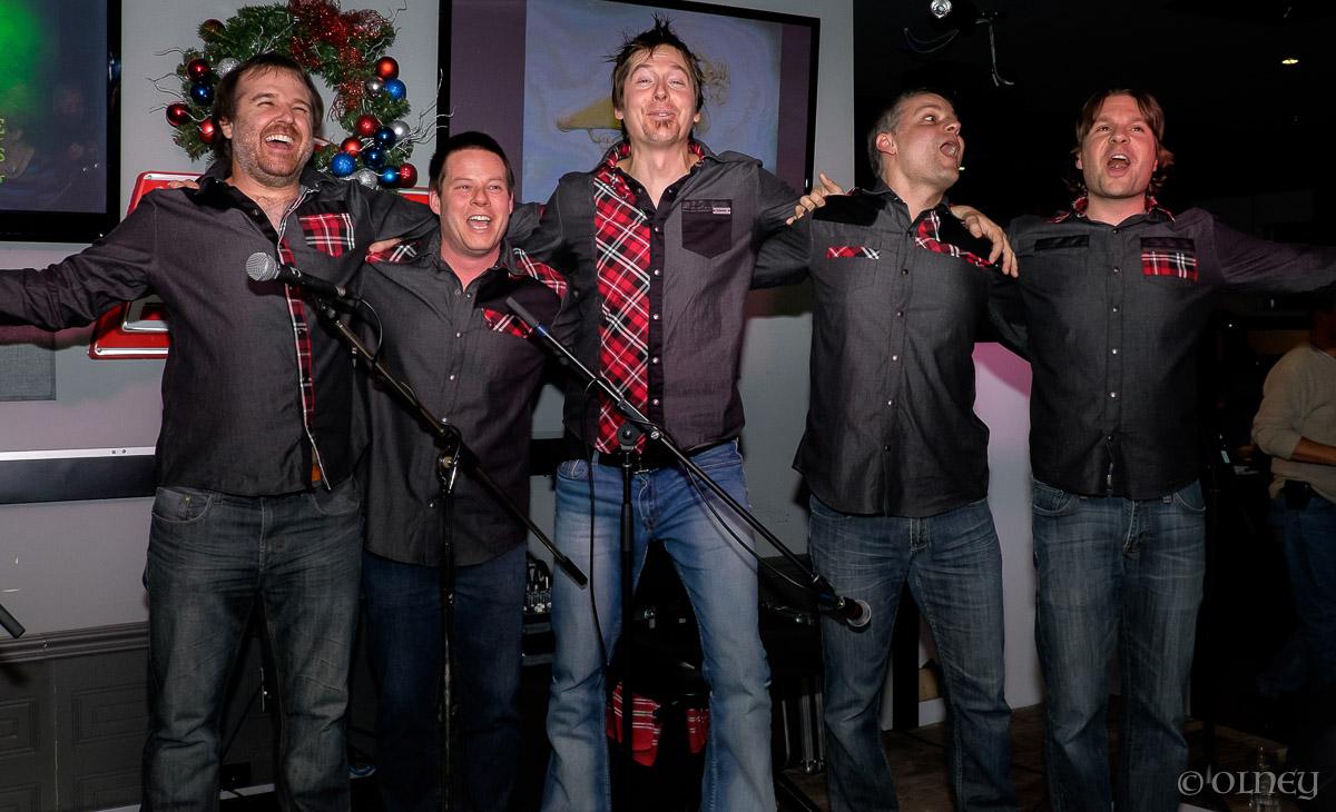 Les gars de Musique à Bouches saluent la foule OLNEY Photographe Sherbrooke