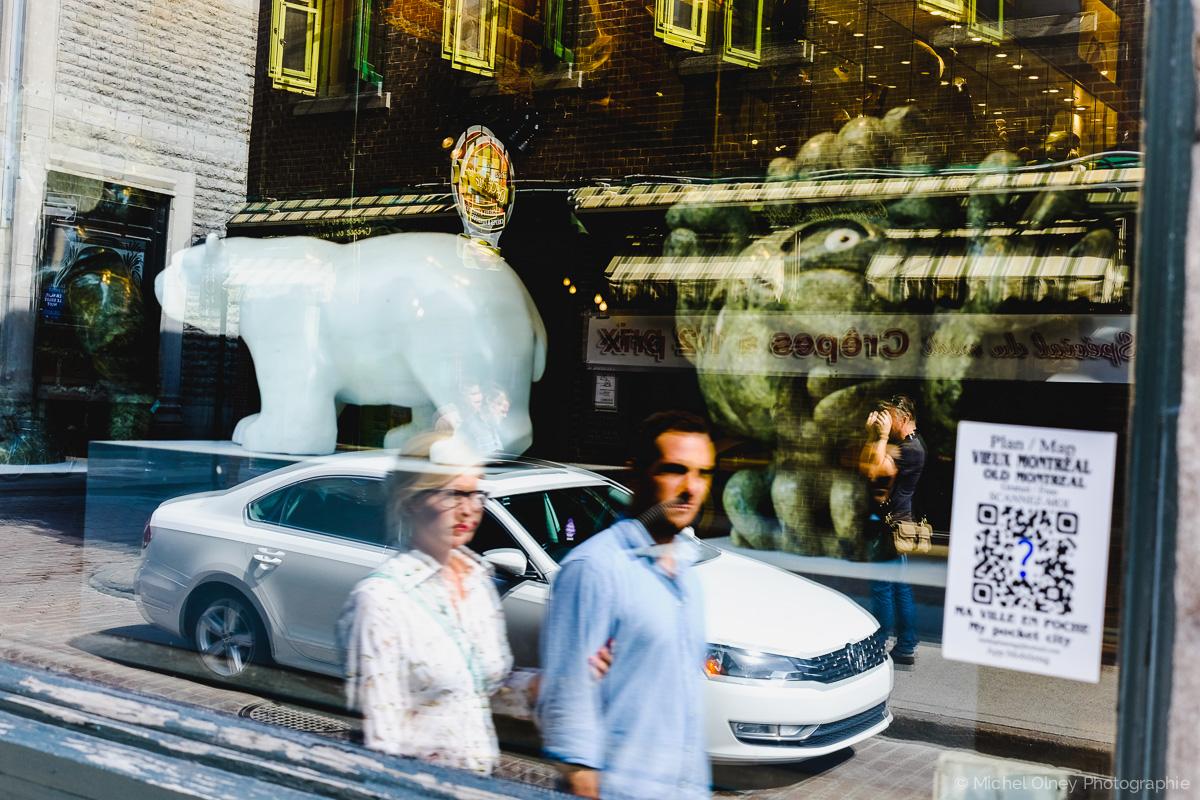 Passants à Montréal photographie de rue olney photographe sherbrooke