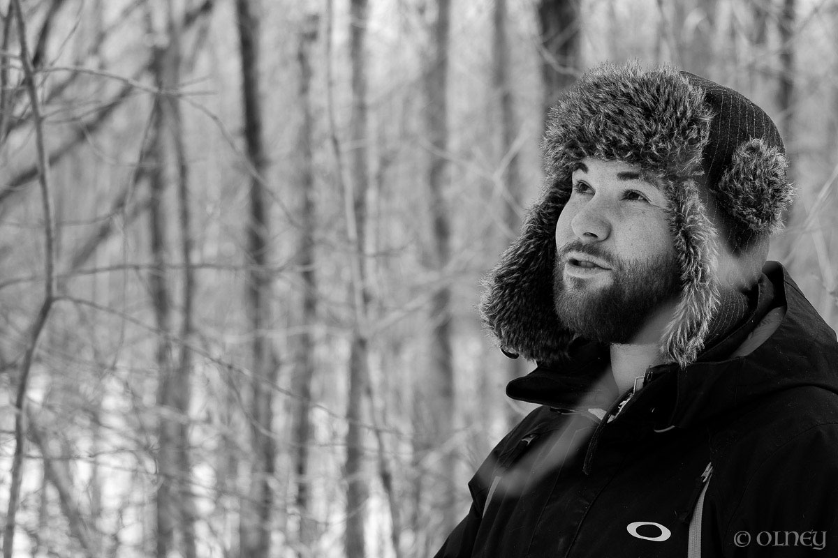 Yooung men profile with beard and fur hat portrait olney photographe sherbrooke