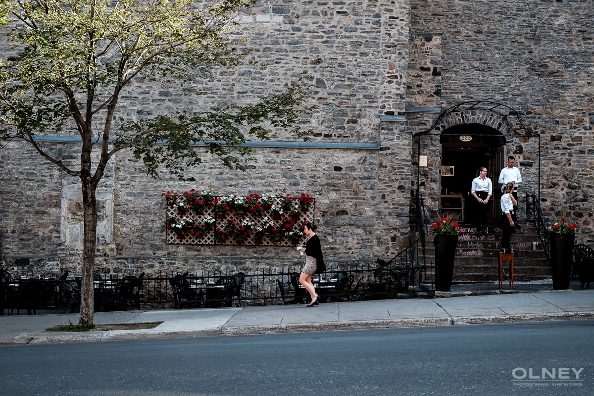 women stroll in montreal streets street photography olney photographe sherbrooke