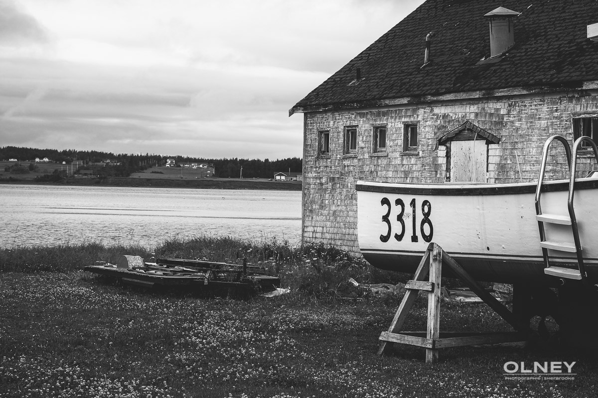 Part of North Rustico from the harbour black and white olney photographe sherbrooke