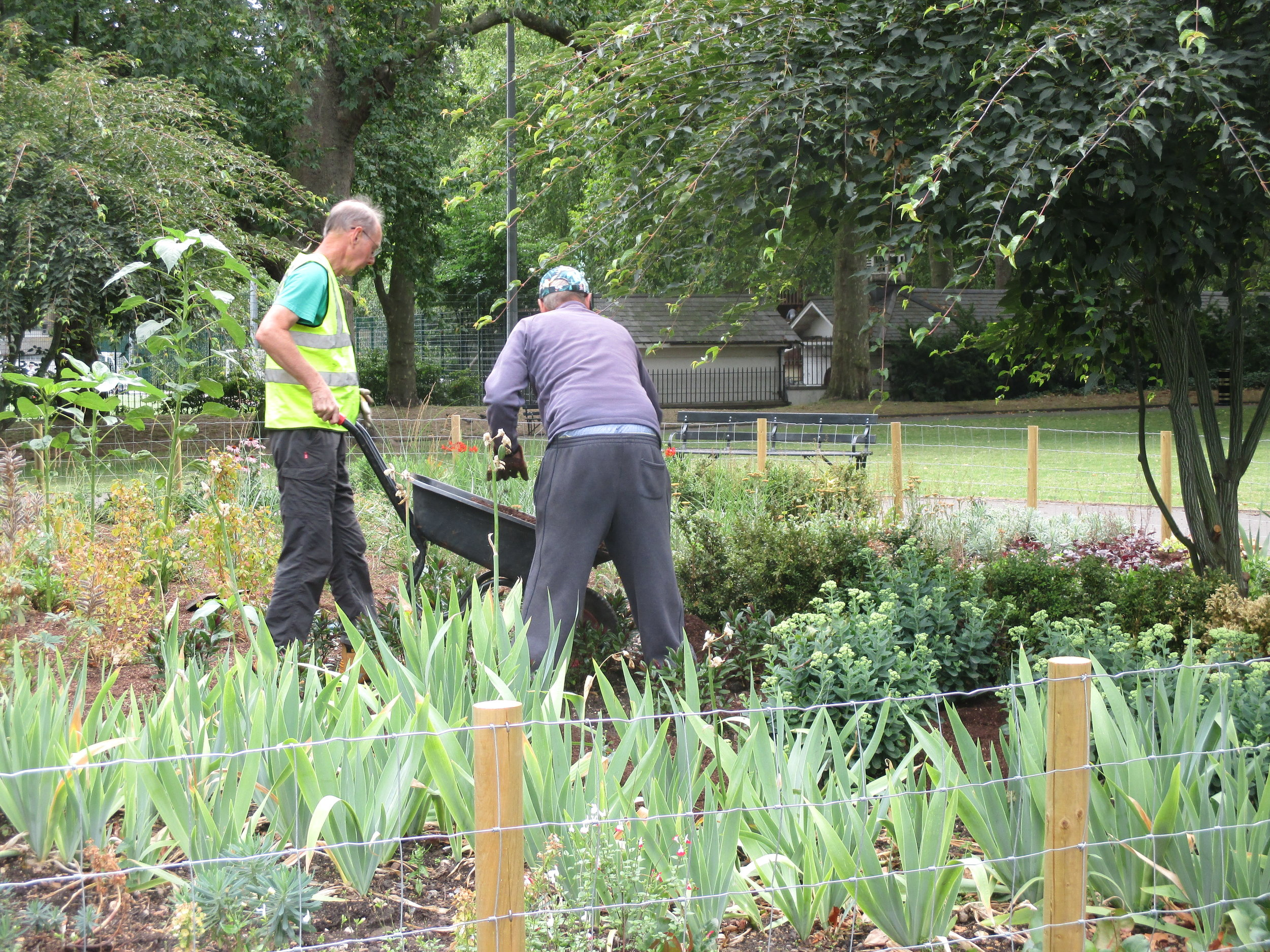 Bayreuth 15 and Camden volunteers 022.JPG