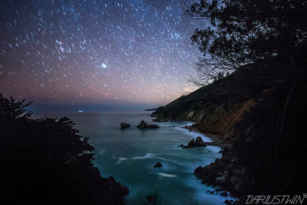 coastline_big_sur_night_photography_stars_longexposure_dariustwin_nature_travel.jpg