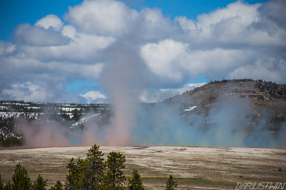 grand-prismatic-geyser-colors-steam-dariustwin.jpg