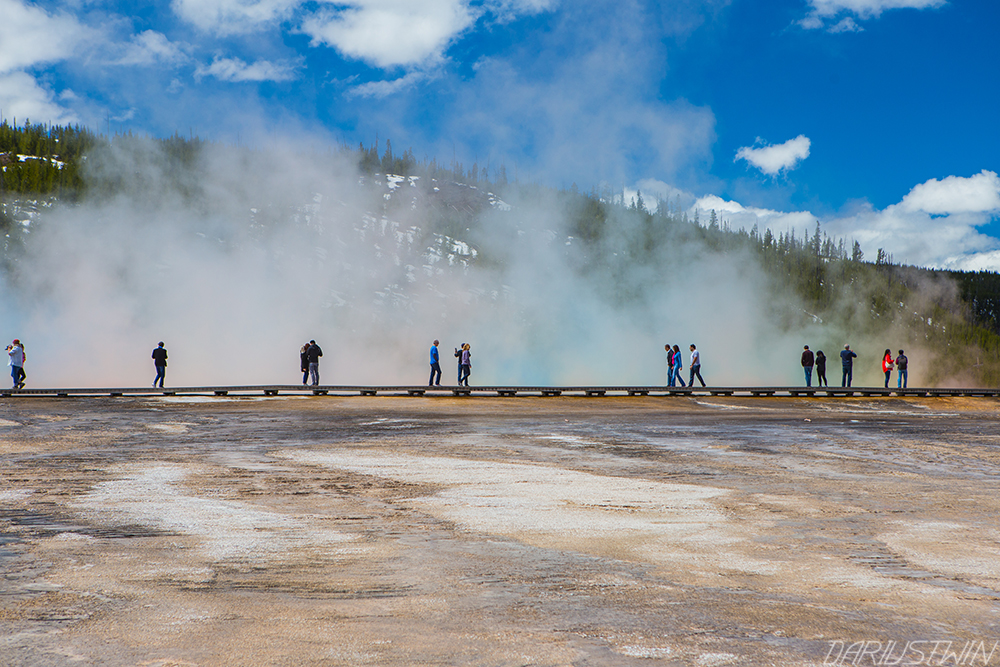 steam-colors-crowds-yellowstone-spring-national-parks-dariustwin.jpg