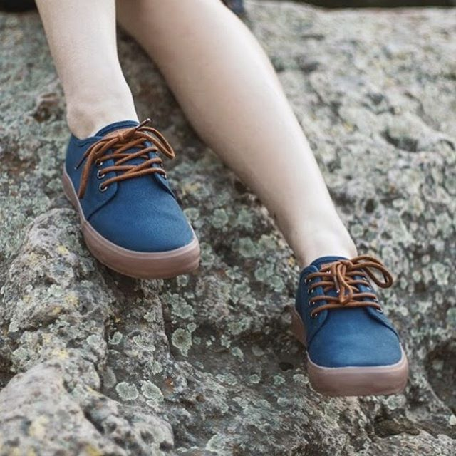We're all tied up in @vamvasoriginals ' NAVY IRIS sneaks! Can't wait to see what colors they bring to Vegan Faire on July 27th, 4pm-10pm.  PC: @vamvasoriginals . . . #vegan #veganfood #vegantee #foodie #vegetaryn #graphictees #veganfaire #anahiem #veganproducts