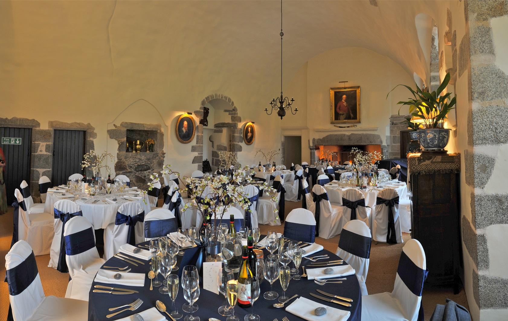 Castle Fraser - Great Hall.jpg