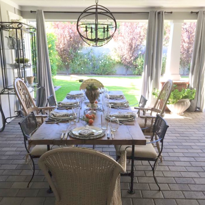 Lenus Dining Table