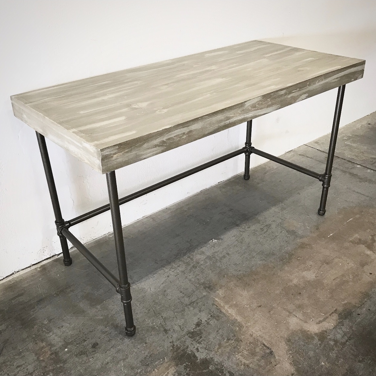 "Wayne Desk 48"" with 3"" Trim"