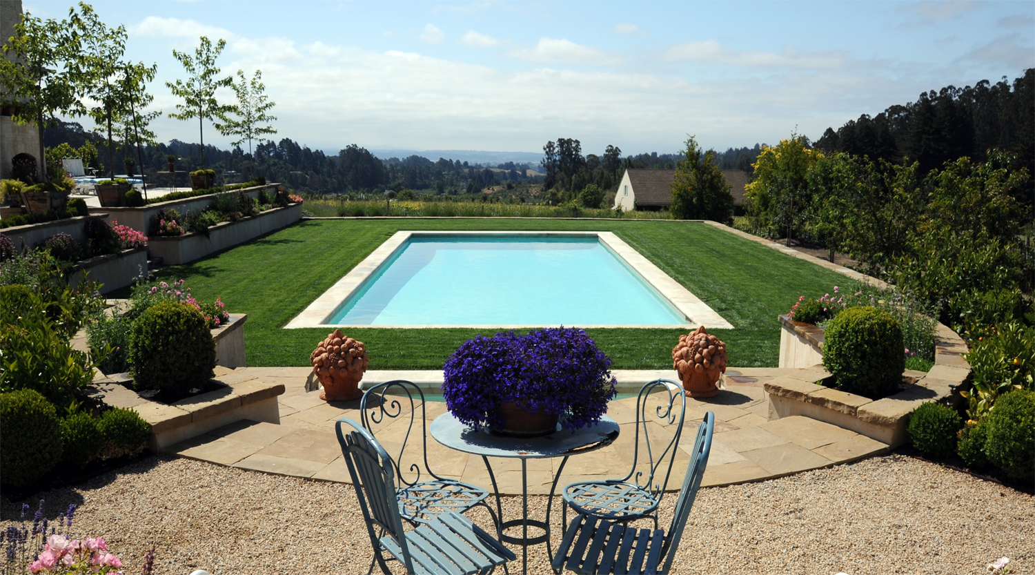 Pool and Spa overlooking the vineyard and barn below.