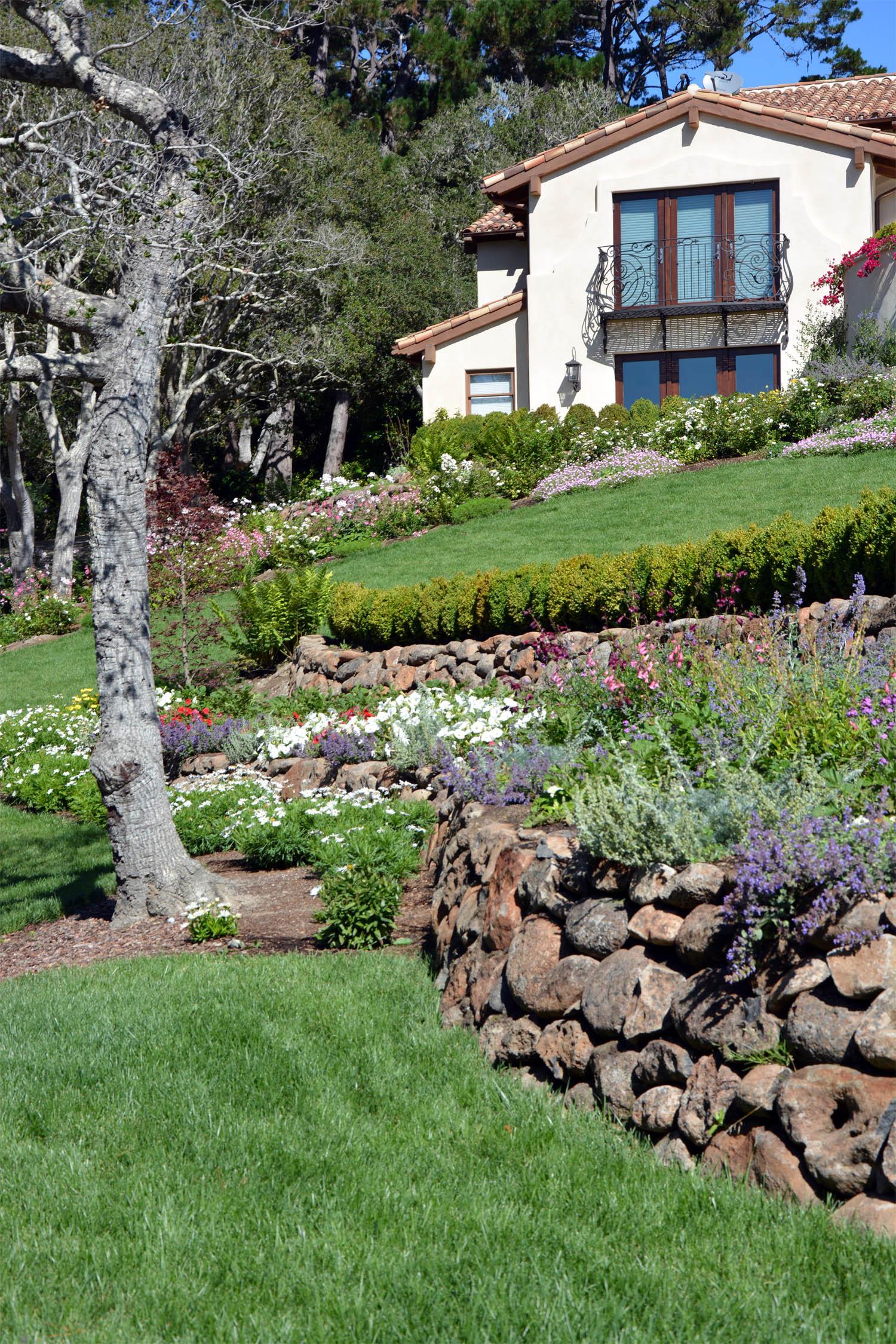 Dry stack garden walls