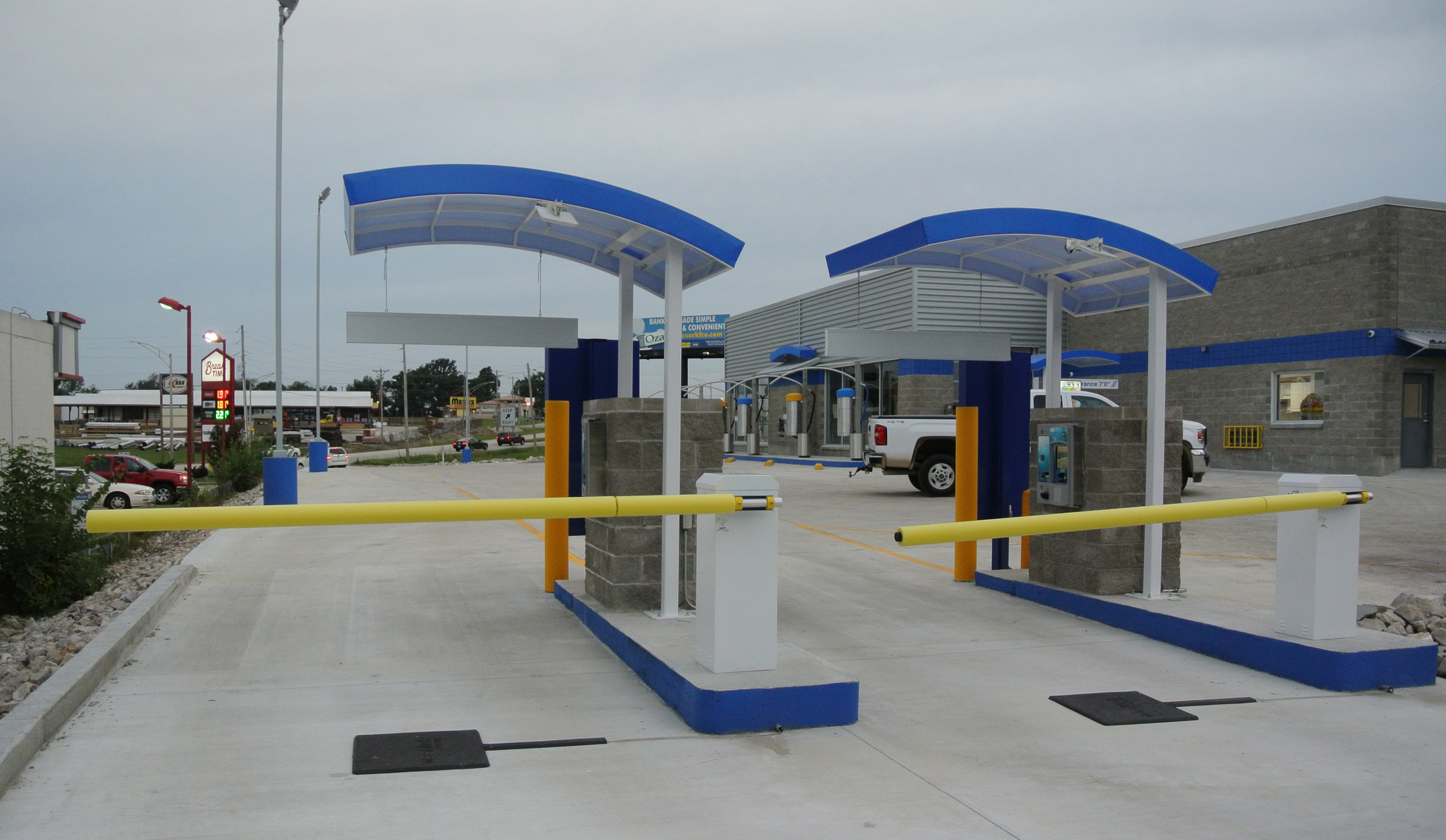 Tunnel Pay Stations back.jpg