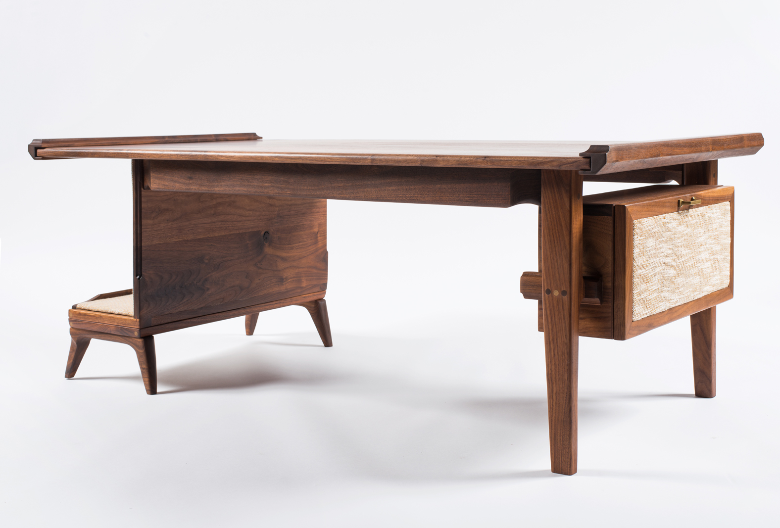 Walnut_Table_03.jpg