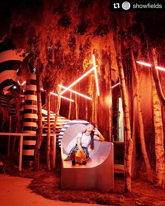 FUTURE SYMBIOSIS 2019.  @showfields with @vacostudio ・・・ The doors are open to House of SHOWFIELDS!! With over 10,000 reservations booked, we are officially*️⃣ SOLD OUT*️⃣ for July - so hurry and get your August tickets before it's too late! We know you'll love exploring our immersive spaces. Reserve via the link in our bio 🥳 . . @meganmasako @rosesetpivoines @vacostudio #rosesetpivoines  call or email now for pricing.  #centerpieces #centrepieces #miamiweddings #miamibrides #miamiflorist #miamicorporateevents #eventpros #weddingstyle #floristsofinstagram #miamiflowers #eventprofs #miamibouquets #miamiflorals #southernweddings #miamievents #HouseofSHOWFIELDS.