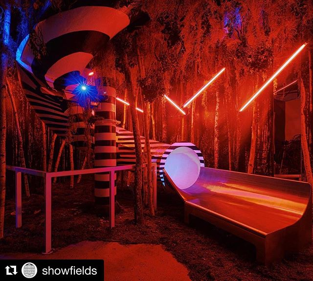 #Repost @showfields ・・・ Immersive means breaking down barriers & activating all your senses: what you touch, taste, smell, hear, feel, and see are elements to play with. We know you'll love the experience we've put together! 🔻And guess what - we've added more July & August tickets for you guys in our bio ⤴️⤴️⤴️ 🔻Our popular slide installation by @rosesetpivoines & @vacostudio - only at 11 Bond St. 📸 @eitanphotography