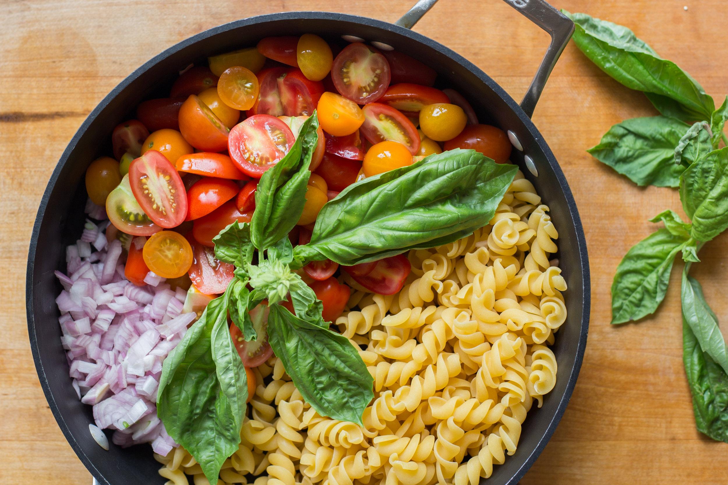 corn caprese pasta (17 of 46).jpg