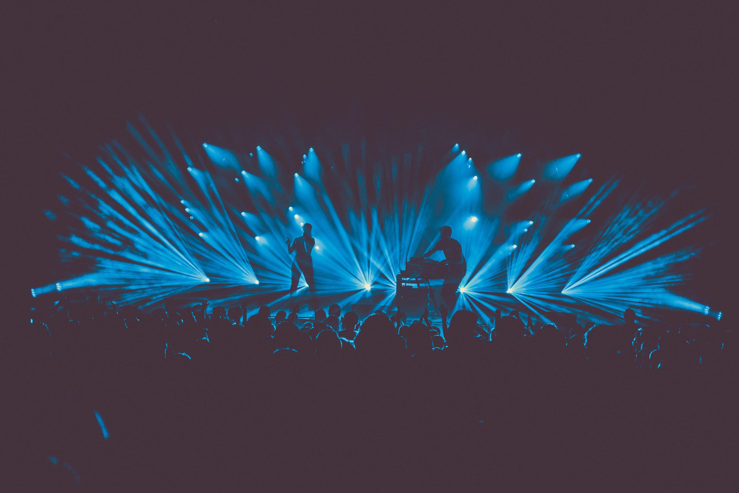 SylvanEsso-FoxTheater-Oakland-082217-ErikaReinsel-17.jpg