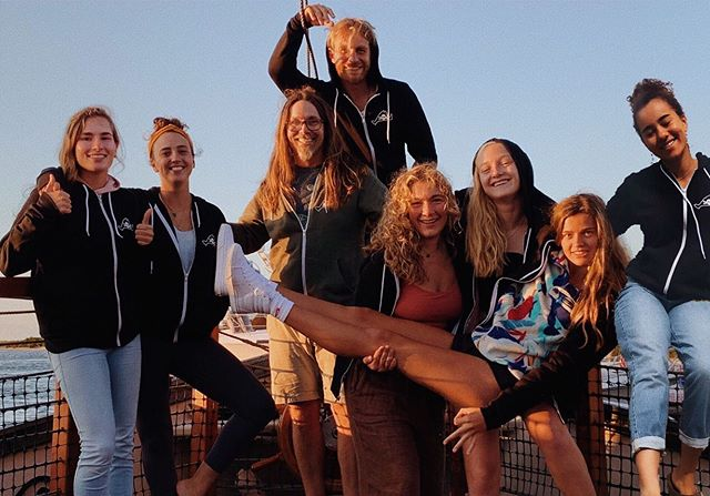 ☠️ Crew 2019 ☠️ All summer long this crew works endlessly to make sure that each adventure, each family, and each child has something wonderful to look back on when they think about the day they became a Pirate. I respect each one of these scurvy dogs like you couldn't believe and am honored to have shared this summer with them. The sun is setting on us for season 5 🌞 thank you to all the pirates that make what we do everyday possible. 🏴☠️Time for some September Sunset Cruises🏴☠️ #NoPhotoShopHere #BubblesWasThere #MakosThumbsUp #SkullyWhatAreYouDoing . . . #crew #piratecrew #mvpirates #island #marthasvineyard #pirates #scurvydogs #5thyear #season5 #lovethiscrew #mv #islandlife