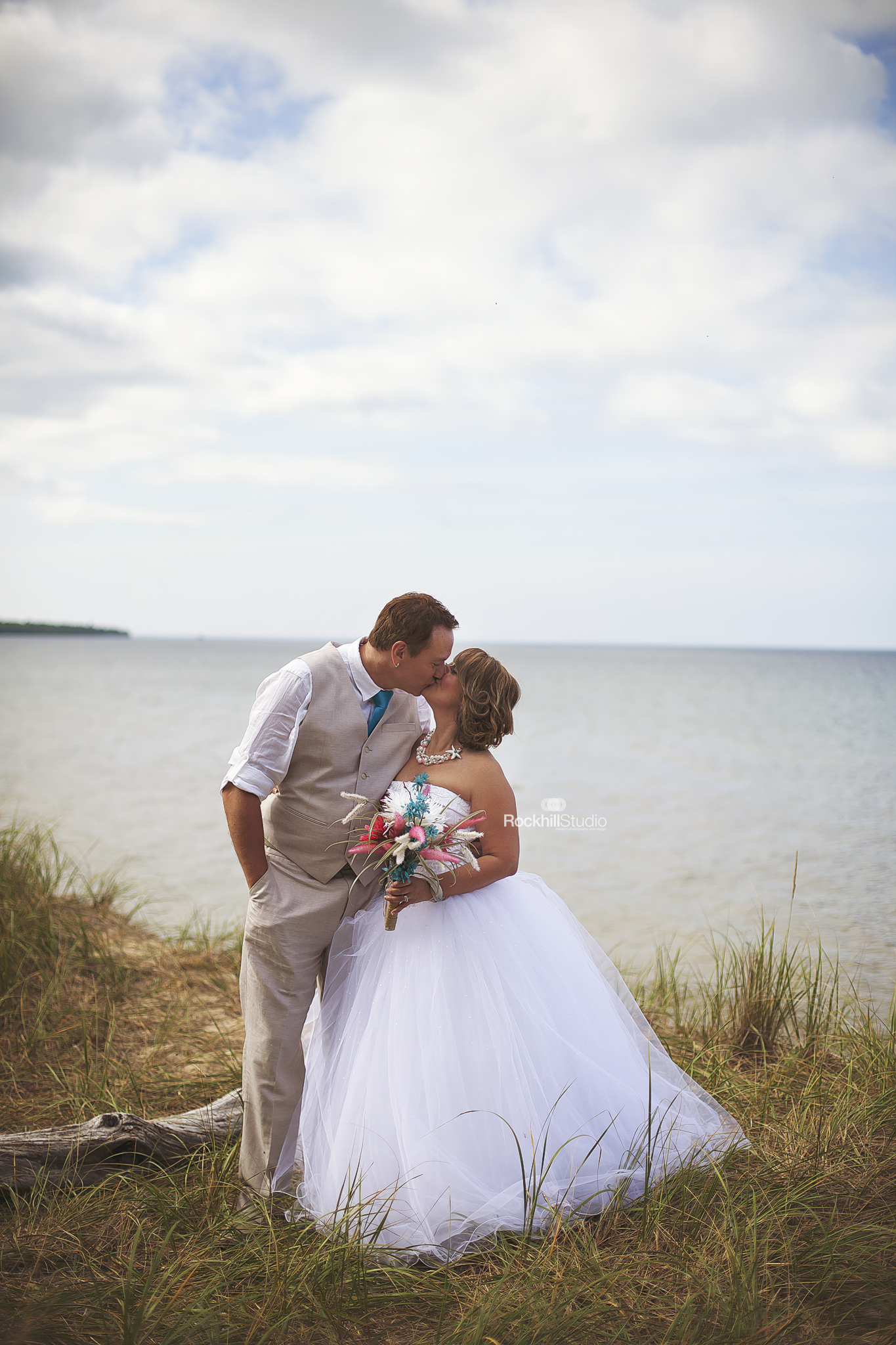 lake-superior-wedding-photographer-sault-ste-marie-beach-wedding.jpg
