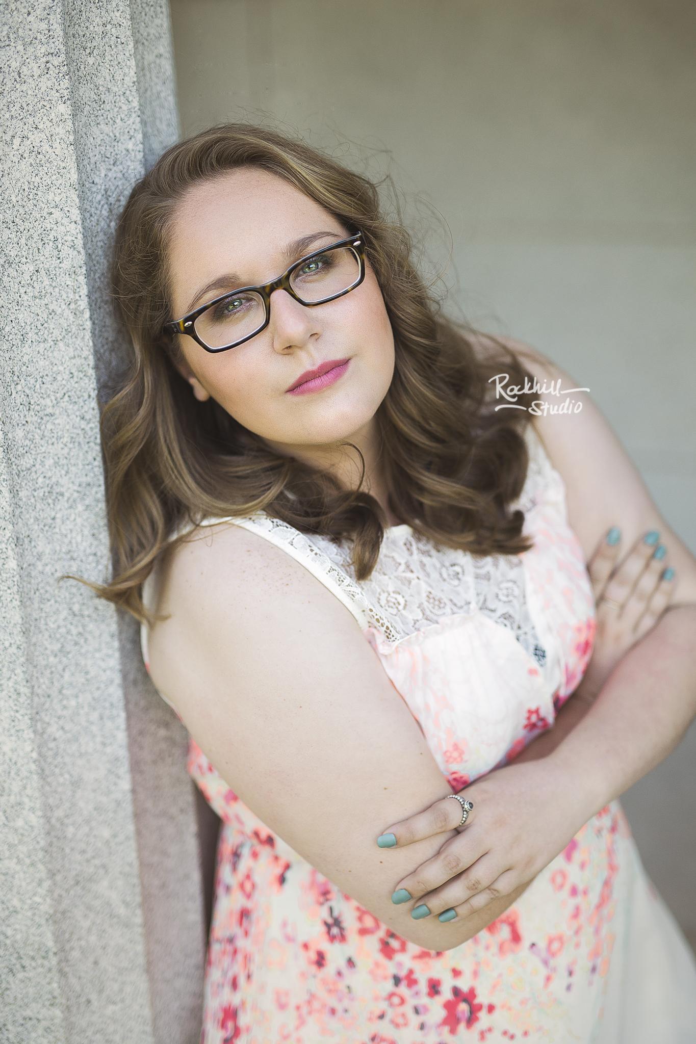 marquette-senior-photographer-upper-peninsula-michigan-girl-glasses.jpg