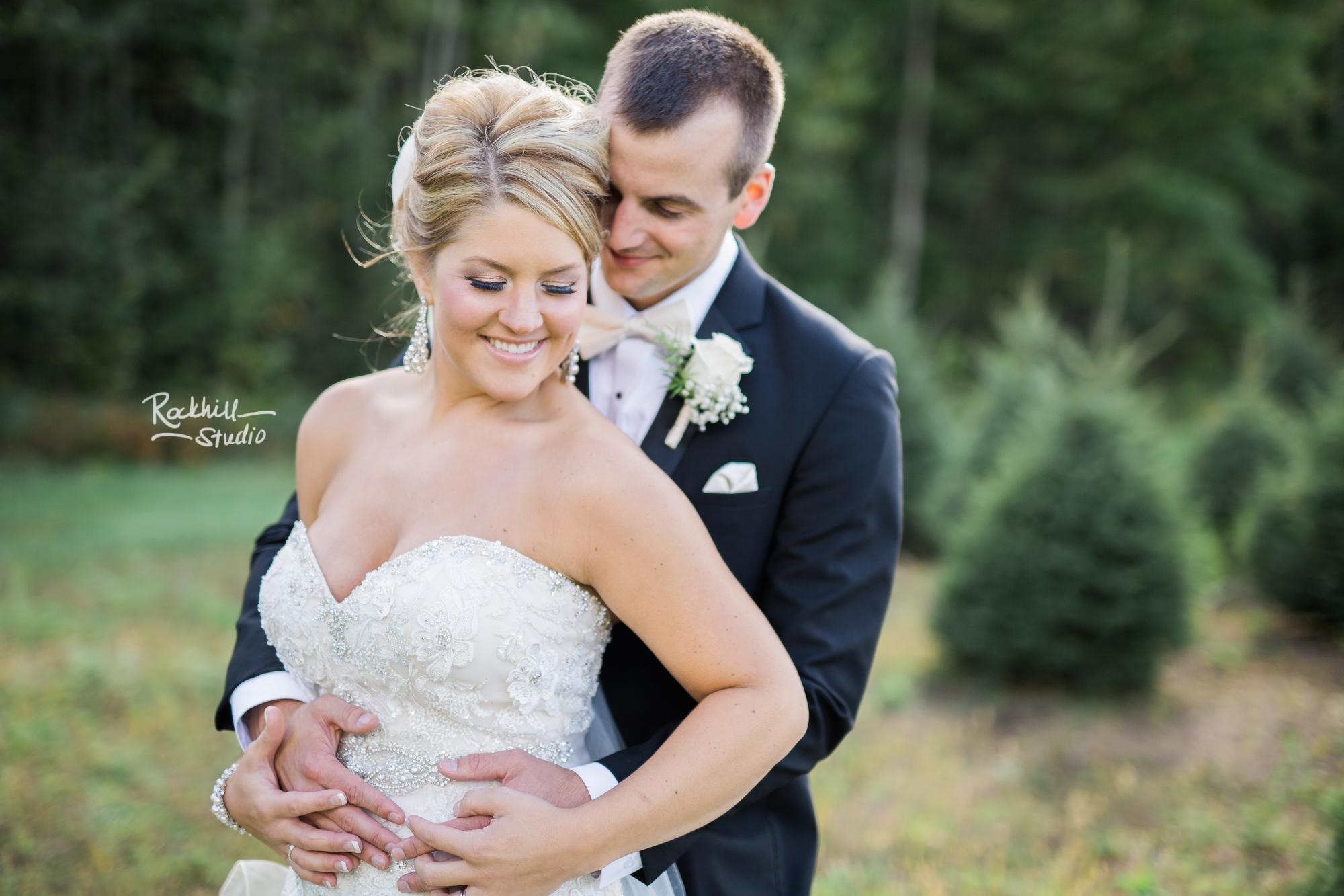 marquette-wedding-photographer-upper-peninsula-bride-groom-portraits-tree-farm.jpg