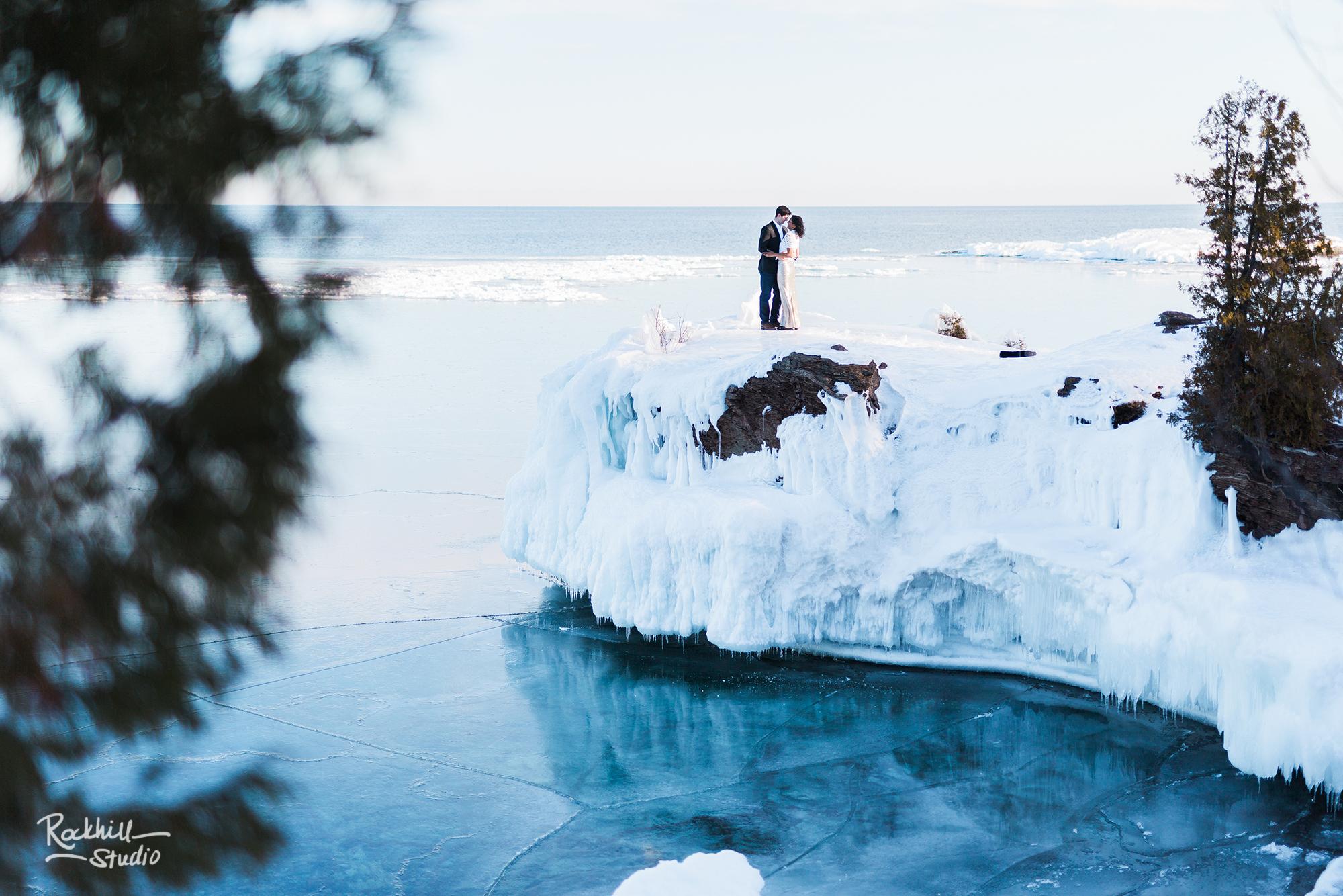 northern-michigan-wedding-marquette-engagement-upper-peninsula-michigan-rockhill-winter-1.jpg