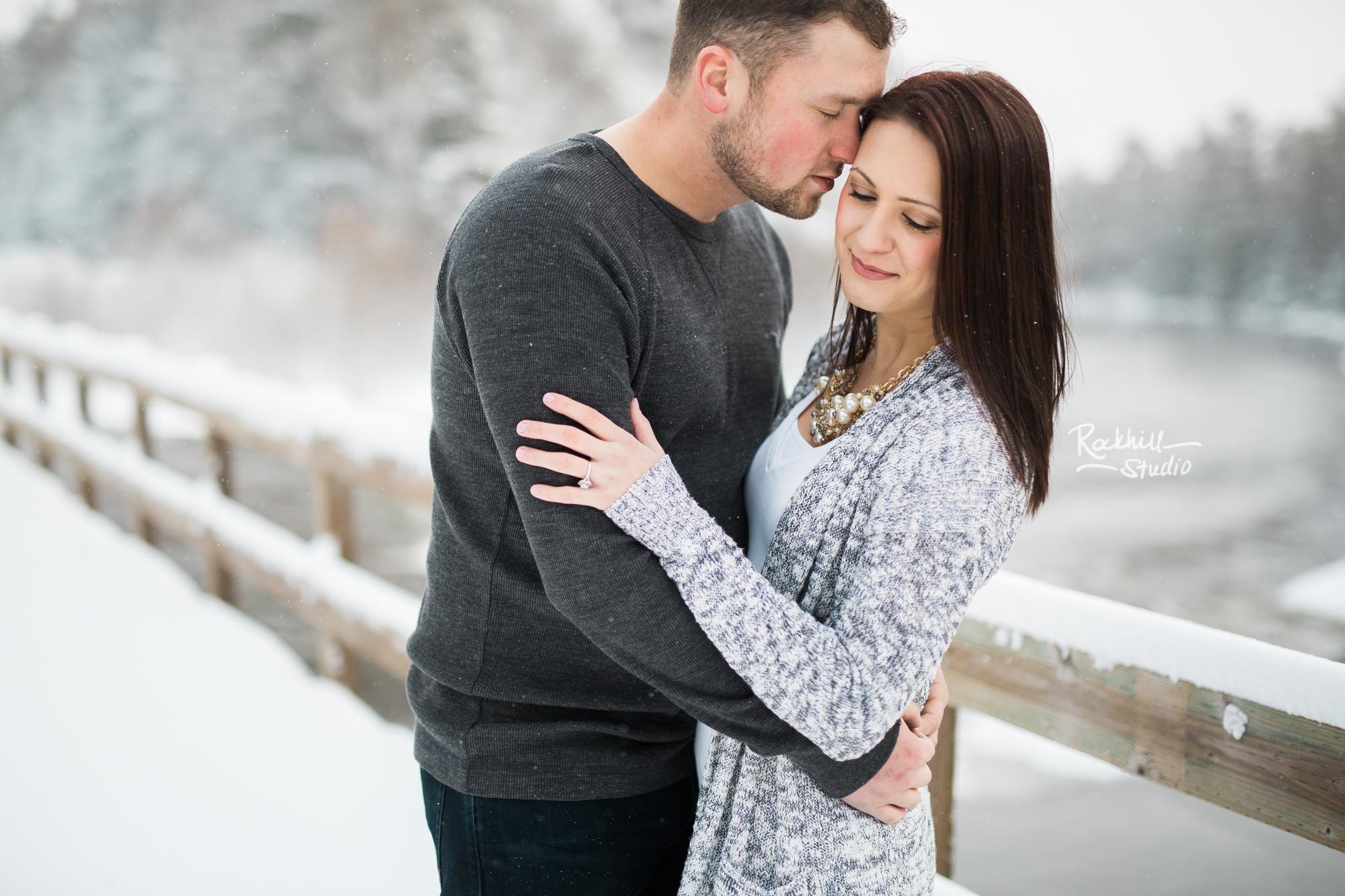 northern-michigan-engagement-photogrpher-wedding-manistique-winter-bridge-5.jpg