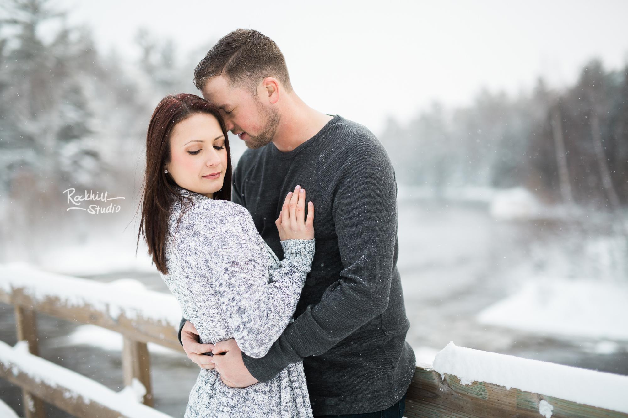 northern-michigan-engagement-photogrpher-wedding-manistique-winter-bridge-6.jpg