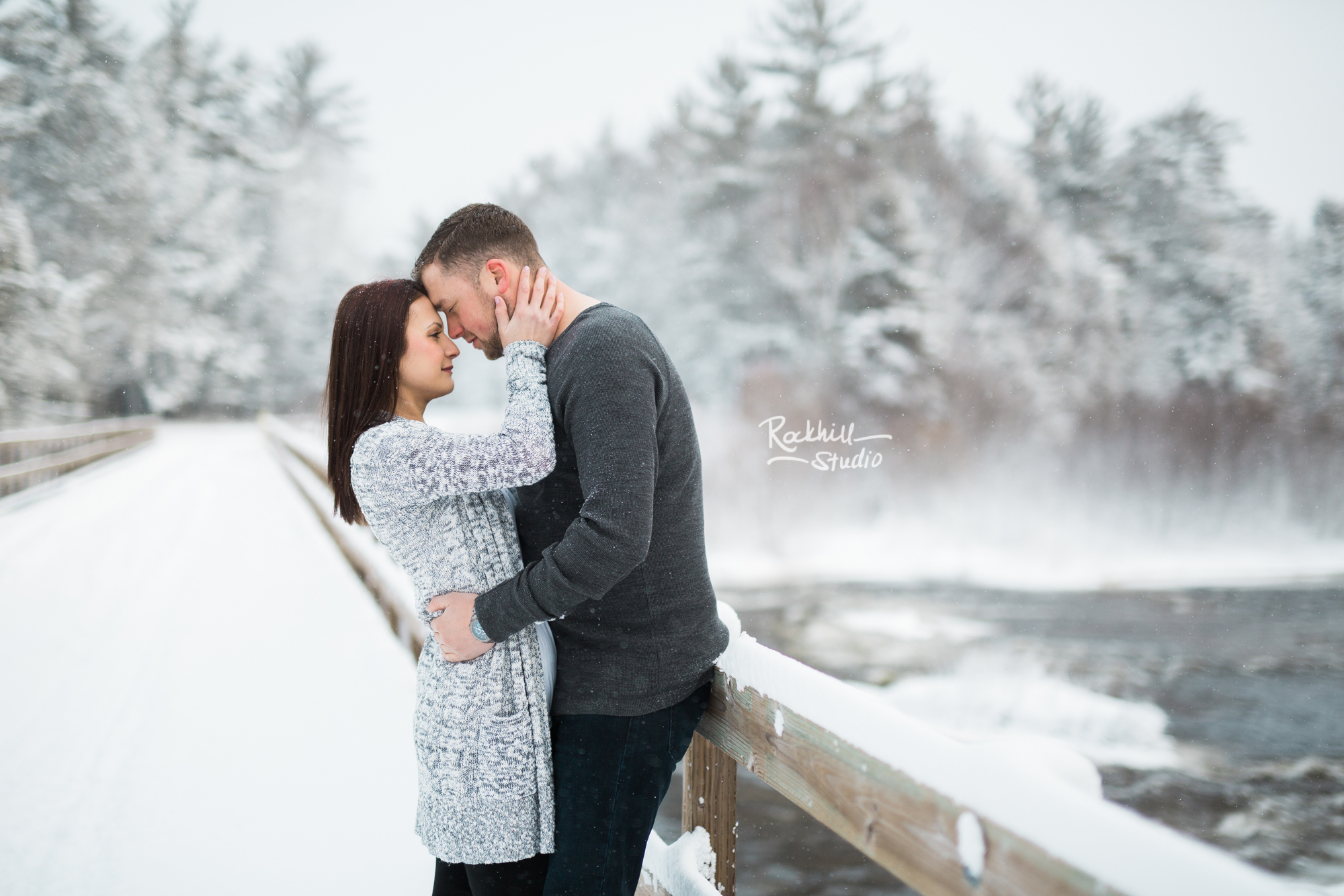 northern-michigan-engagement-photogrpher-wedding-manistique-winter-bridge-9.jpg