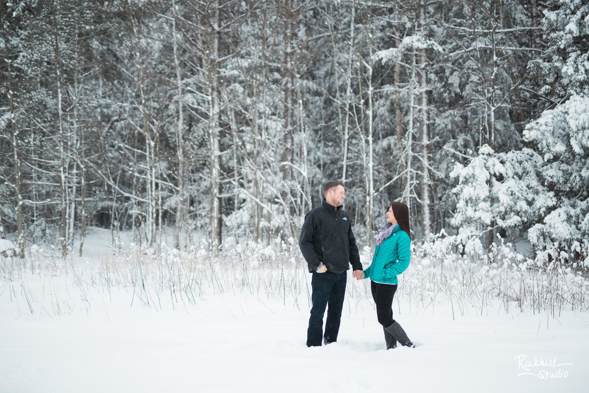 northern-michigan-engagement-photogrpher-wedding-manistique-winter-bridge-13.jpg
