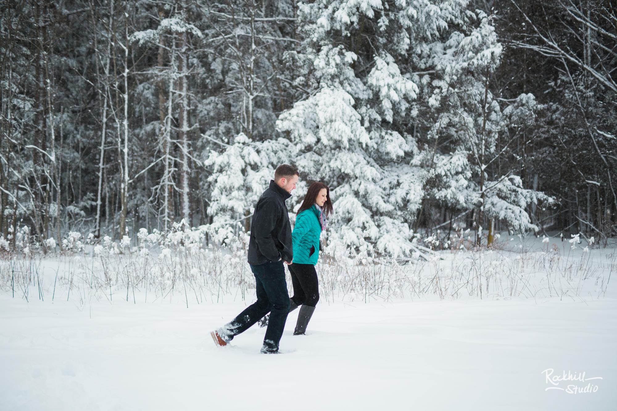 northern-michigan-engagement-photogrpher-wedding-manistique-winter-bridge-15.jpg