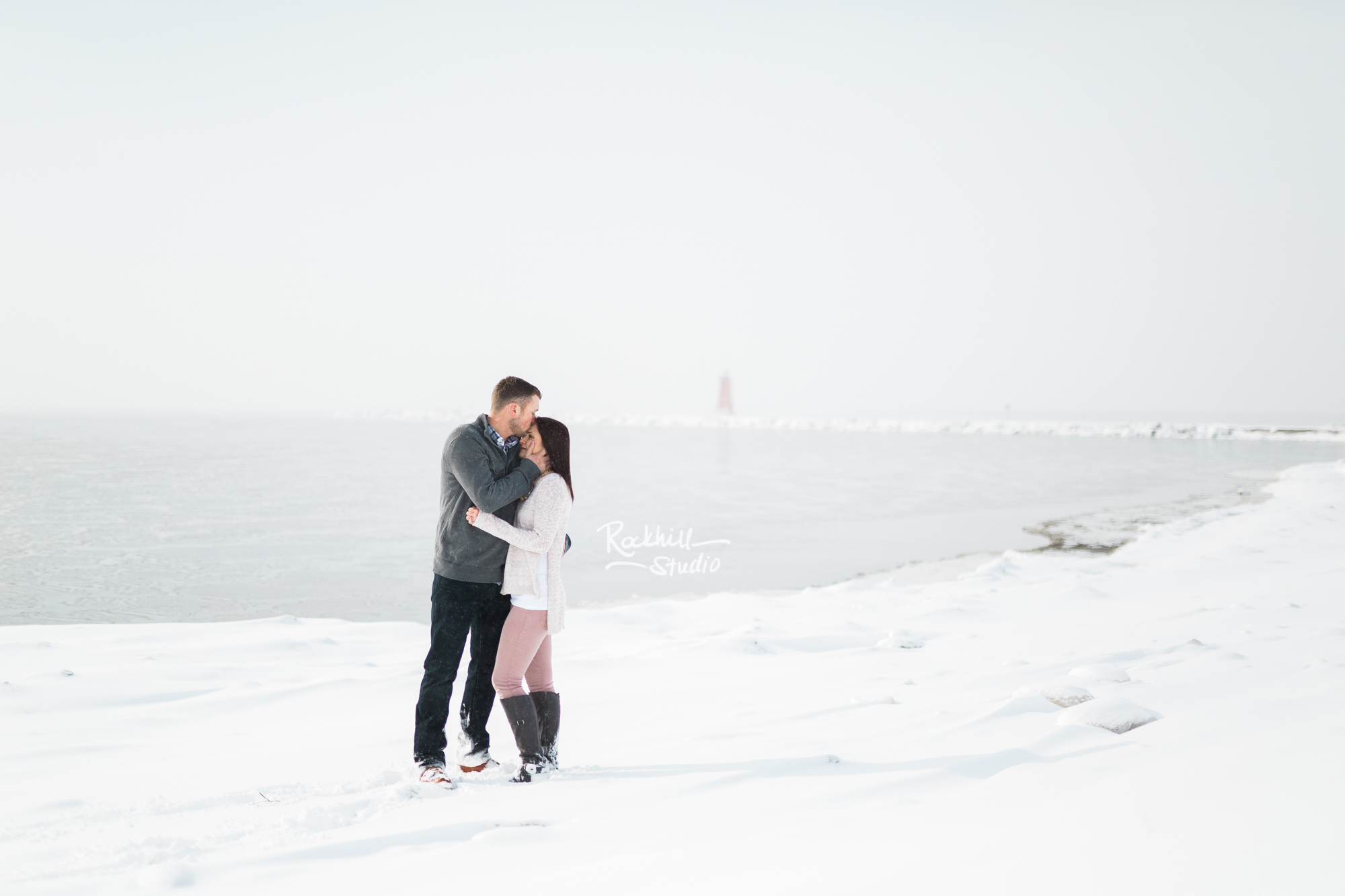 northern-michigan-engagement-photogrpher-wedding-manistique-winter-lake-michigan-23.jpg