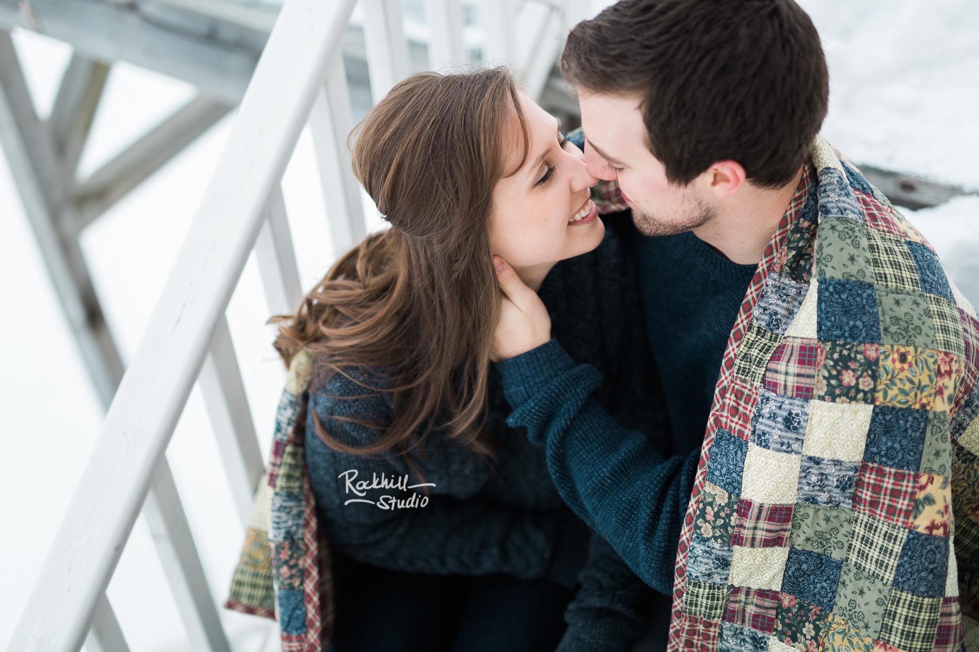 northern-michigan-upper-peninsula-engagement-photography-wedding-rockhill-studio-marquette-16.jpg