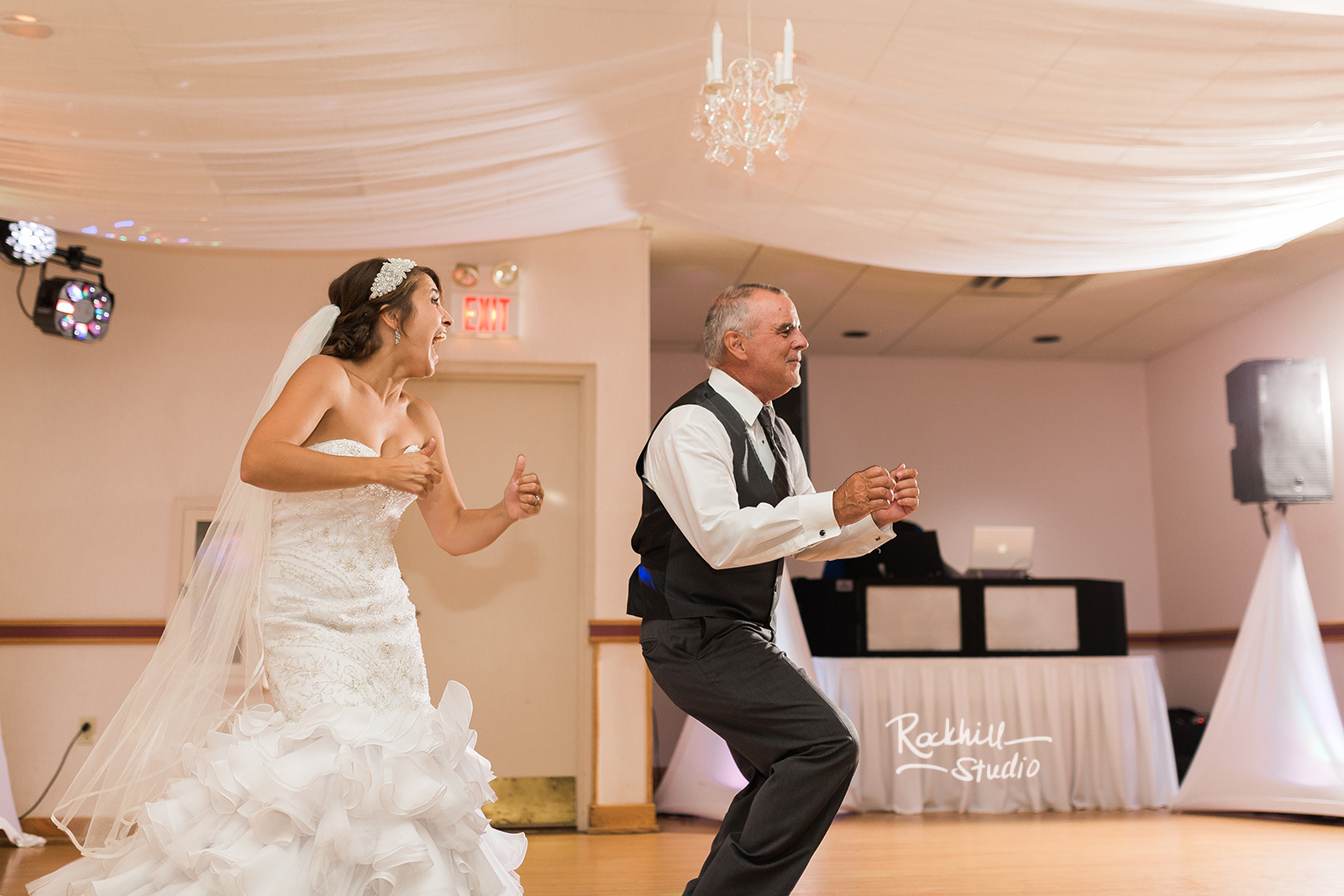 marquette-wedding-upper-peninsula-northern-michigan-wedding-ck-photography-ramada-6.jpg