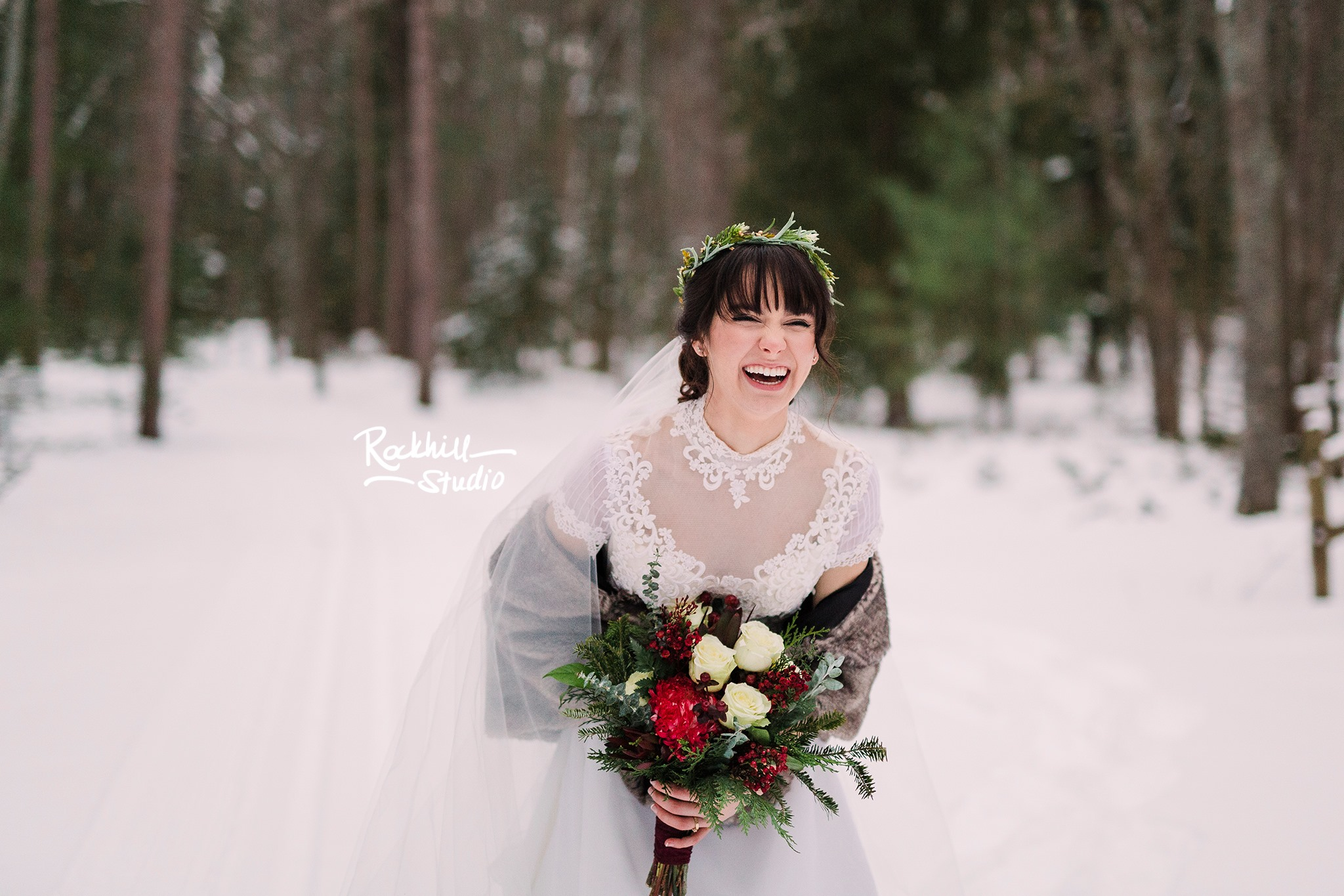 traverse_city_wedding_photographer_winter_rockhill_bride_1.jpg