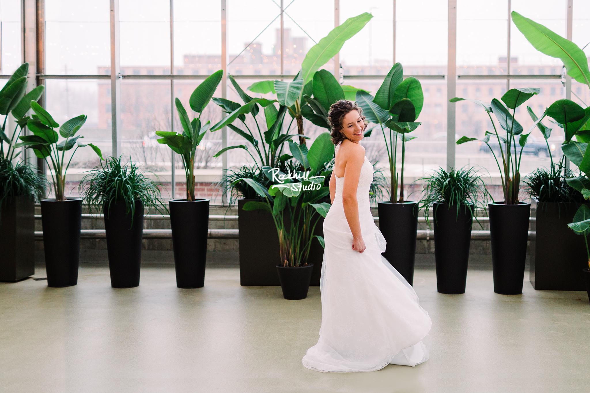 Traverse_city_wedding_Photography_Grand_Rapids_market_rockhill_studio_1a.jpg